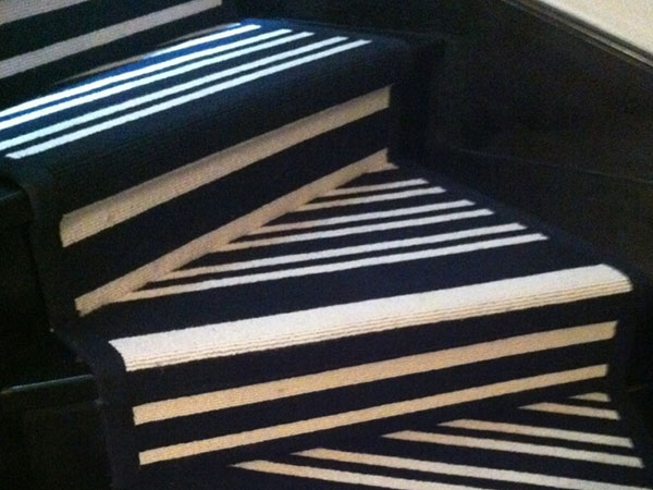 tapis d escalier moderne with tapis d escalier moderne tapis d escalier moderne tapis d. Black Bedroom Furniture Sets. Home Design Ideas
